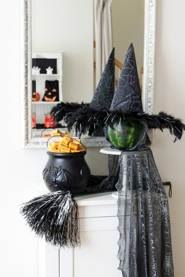 Cool halloween decoration ideas for your home interior for Pagan decorations for the home