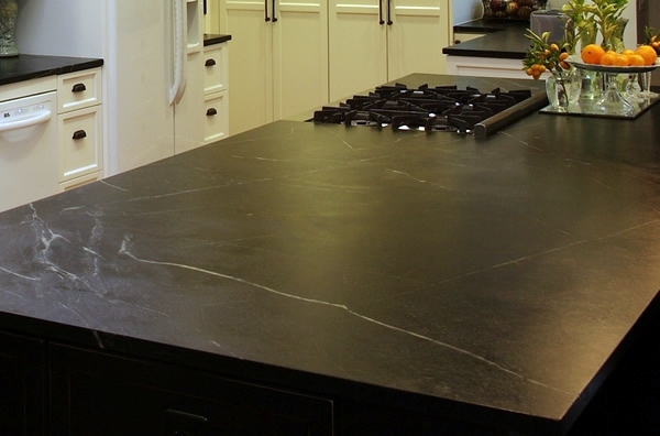 Kitchen worktop choose the right one for your kitchen for Traditional kitchen equipments