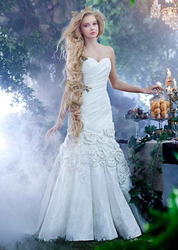 The most beautiful wedding dresses inspired by Disney Princess ...