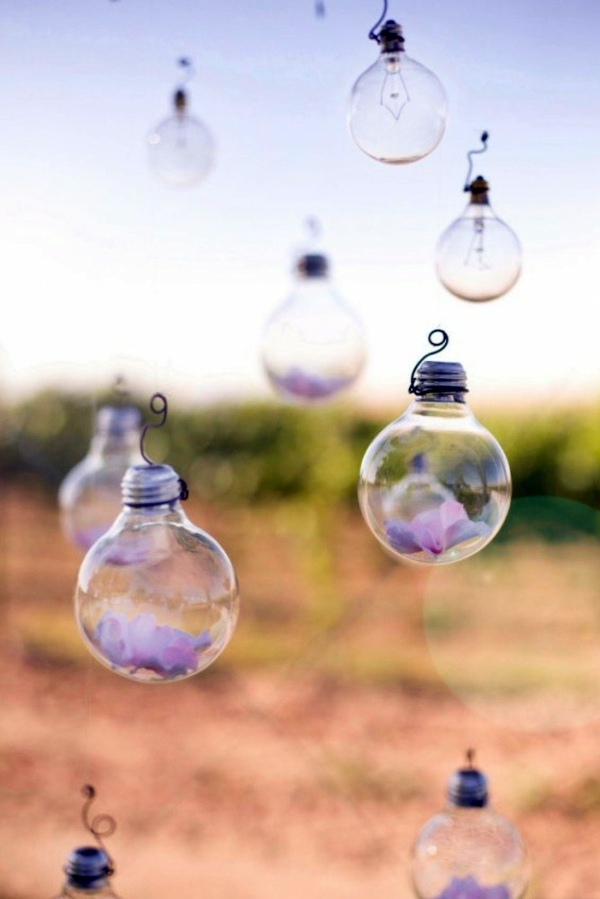 DIY decoration from bulbs – 120 craft ideas for old light ...