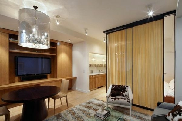 Separate Living Room Of The Bedroom Use Curtain Divider
