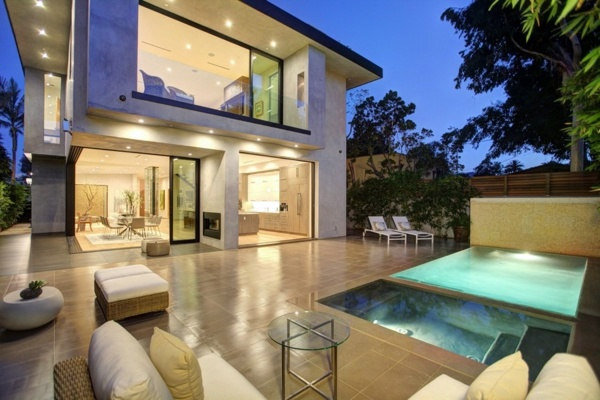 ... Modern luxury house with water features and modern design