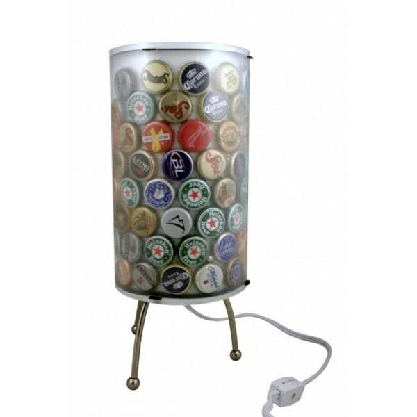 Extraordinary DIY lamp from bottle caps