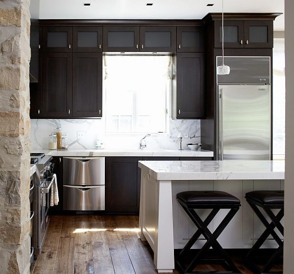 Modern small kitchen designs get the best of it for Small modern kitchen