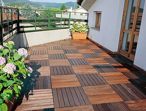 ... Wood Tiling   Wooden Floor On The Balcony