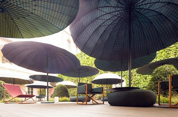 Oversized Umbrellas Lounge Garden Furniture Set By Paola Lenti