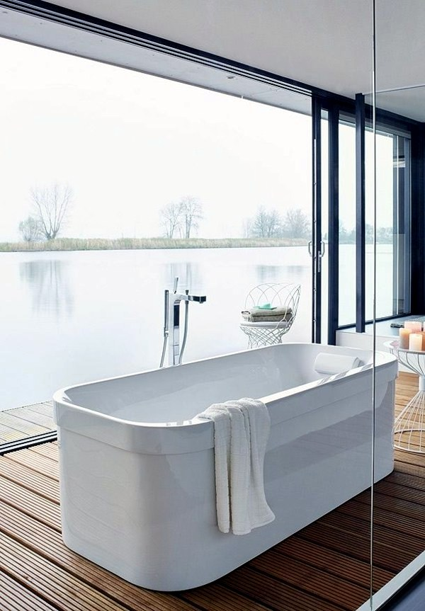 Freestanding bathtub in modern bathroom | Interior Design Ideas ...