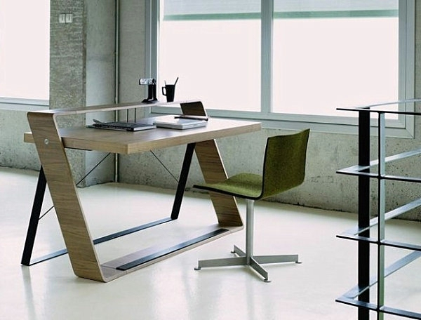 Simple design with a minimalist style Computer table design with style
