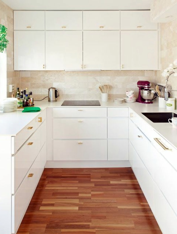 Kitchen design ideas more space in the small kitchen for Designs for small kitchen