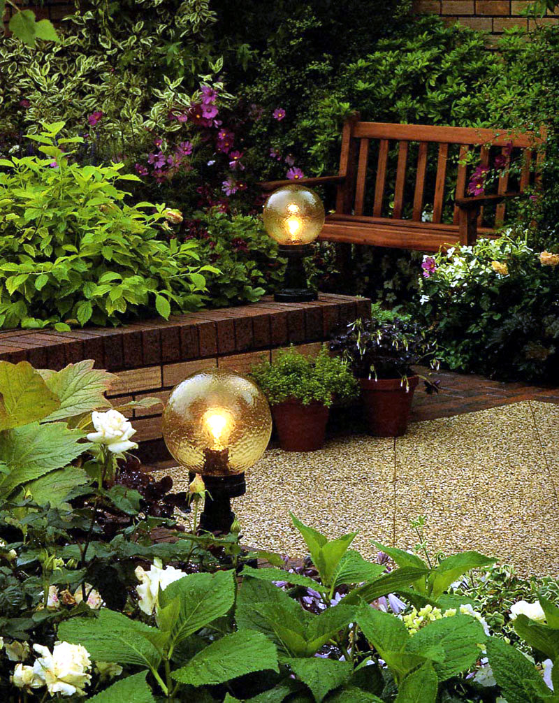 Tips for garden lighting ideas for light games interior for Garden design game