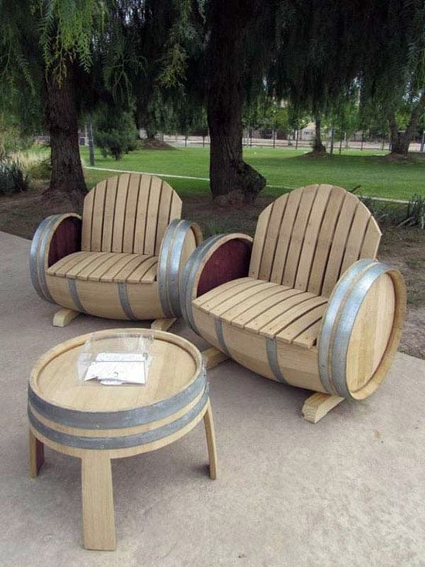 Wine barrel bar table and many other diy furniture that for Wine barrel chair diy