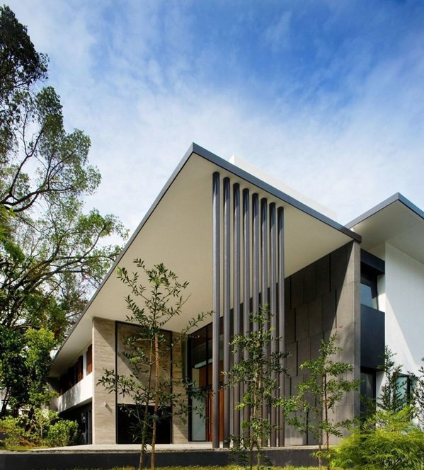 Contemporary house in singapore screen house by the for In house architect