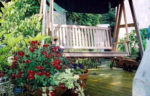 Wonderful ideas and tips on how to build a garden swing itself