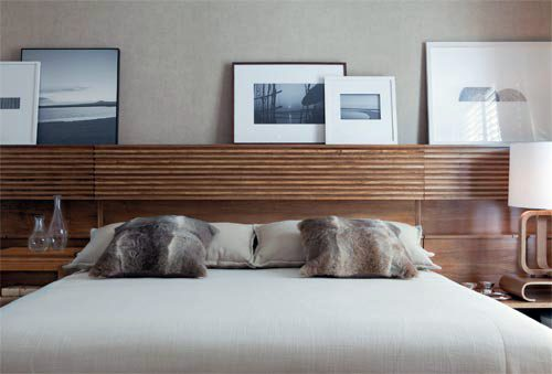 30 ideas for headboard fabulous and artful examples for Bedhead storage ideas