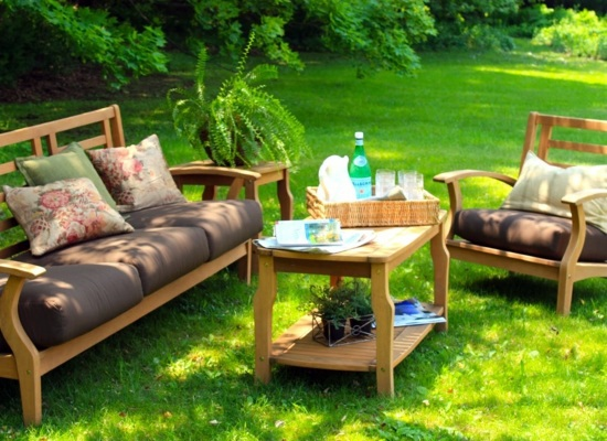 Make residential area in the garden beautiful outdoor for Garden sit out designs