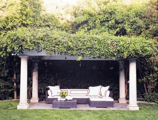 More Shade Make Residential Area In The Garden   Beautiful Outdoor Sitting  Areas