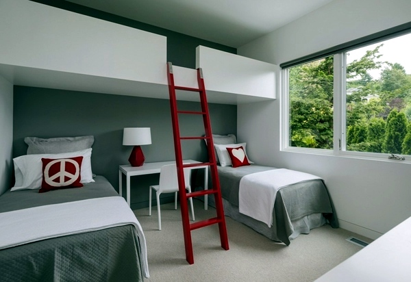 Elegant house in seattle shows fabulous views of the for Bunk beds built into wall