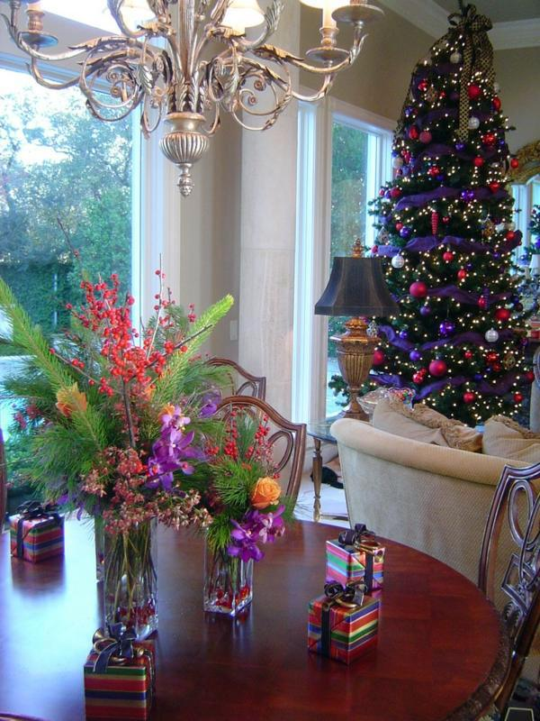 15 great colorful interior design ideas for christmas for Great christmas decoration ideas