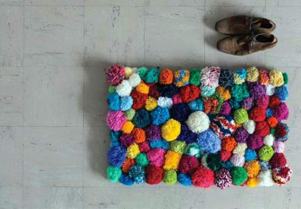Crazy Pom Pom Rug Teppich u0026 Boden - DIY rugs and doormats - colored and colorful live! & DIY rugs and doormats u2013 colored and colorful live! | Interior Design ...