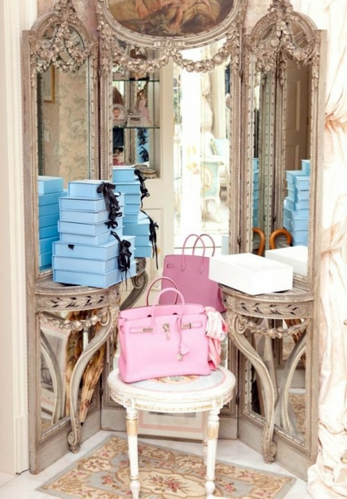 Show Chic Antique Mirror Dressing Room Design   40 Beautiful And Fine Ideas  For Your Wardrobe Part 53