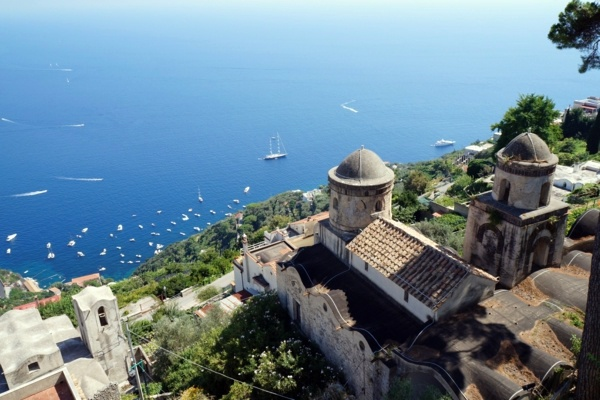 color, decoration and other distinctive mediterranean architecture