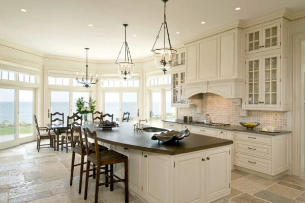 Setting Cozy Kitchen   Oversized Kitchens Designs