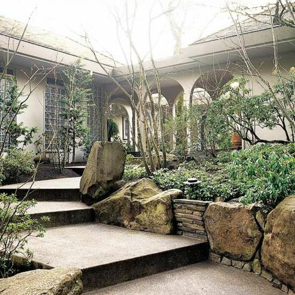 Boulders And Many Trees Front Garden Design Ideas   Creative Design Ideas  For Your Exterior