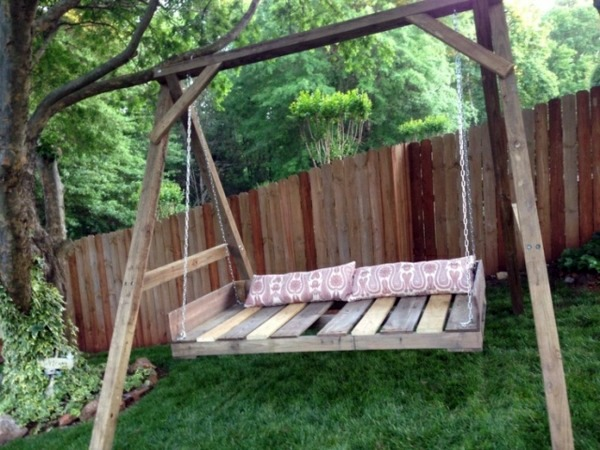 Pallet Daybed Swing