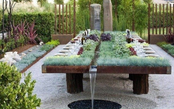 Garden table build yourself Put some creativity and a craft