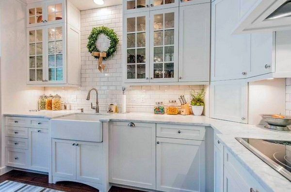 Crown Green Complete The Atmosphere Traditional White Country Kitchen 15 Cool Interior Design Ideas
