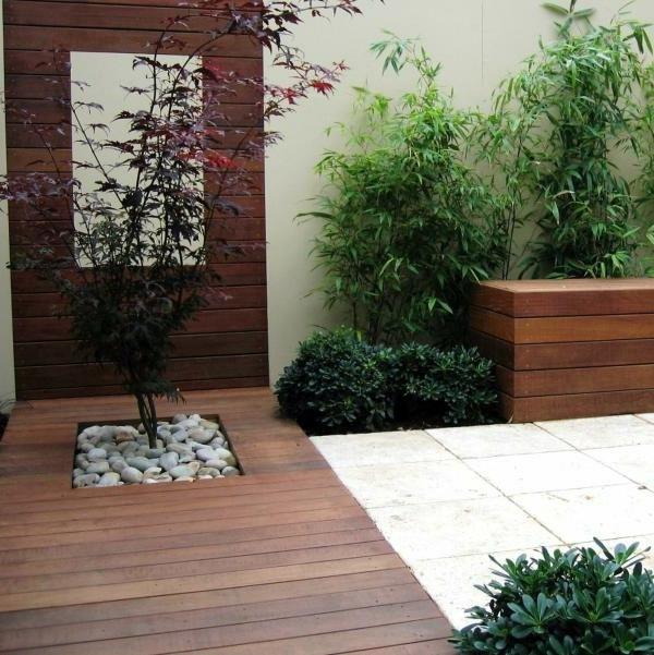 Modern Garden Design cute couple 2 The Plants Grow 50 Modern Garden Design Ideas