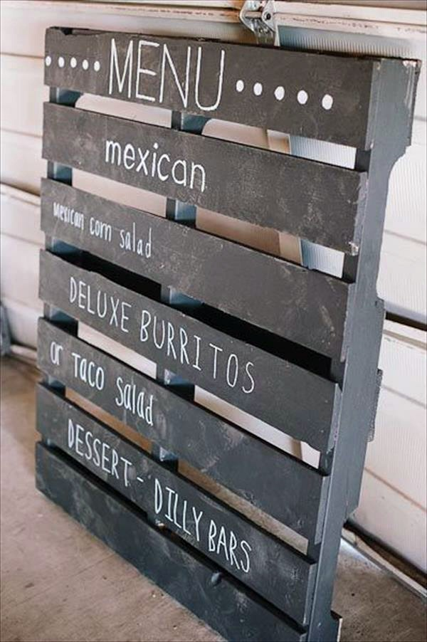Cool diy decoration from palette for your wedding for Decorating ideas using pallets