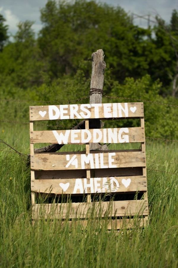Cool DIY Decoration From Palette For Your Wedding