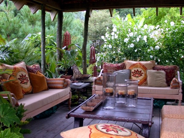 Exceptional ... 20 Stylish Ideas For Outdoor Seating Area   A Comfortable Seating Area  In The Garden