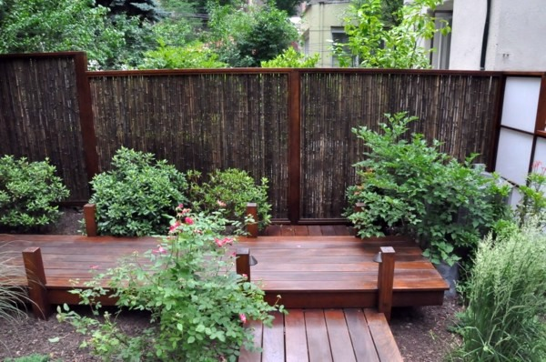 Garden fence and garden borders ideas useful and beautiful designer suggestions interior - Rustic wood fences a pastoral atmosphere ...
