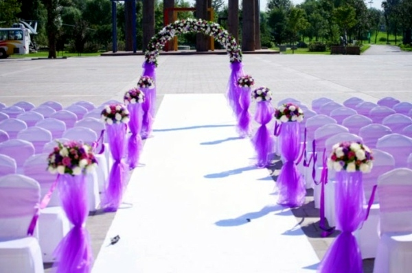 Purple Ideas For Weddings: Wedding Decor With Floral Decoration