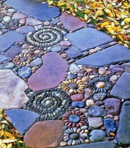 13 beautiful designs for your mosaic in the garden for Garden mosaics designs