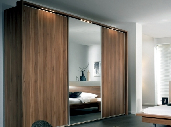 Wardrobe with sliding doors interior design ideas avso org for 4 door wardrobe interior designs