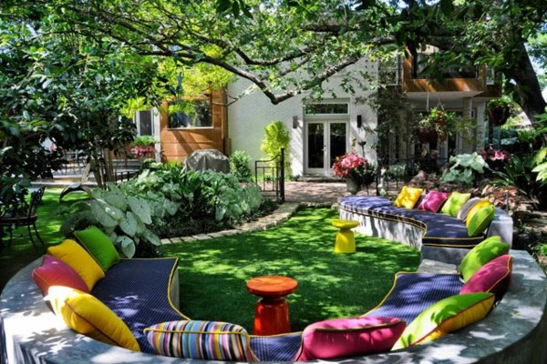 Colorful pillows and cushions 60 beautiful garden ideas - garden pictures  for garden decorations