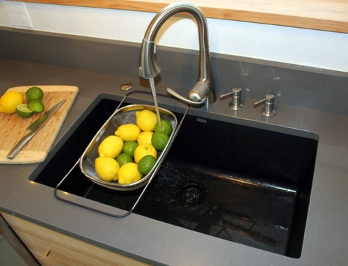 How should one choose the material of the sink in the kitchen ...