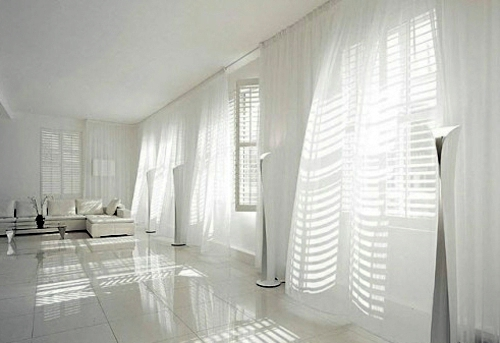 Display light, airy curtains - complete space White Interior Design Ideas  pure and fresh look to the senses