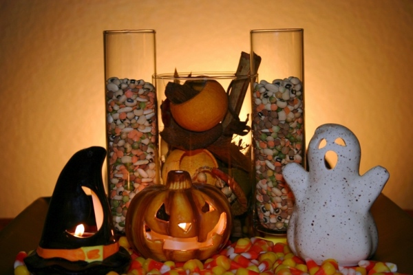 Table decoration crafts - Halloween decoration do it yourself