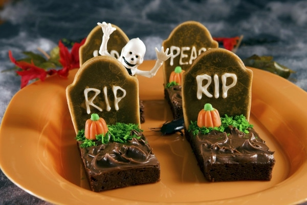 graves of chocolate table decoration crafts halloween decoration do it yourself