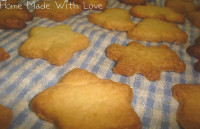 almond-cookies-1409061514.jpg