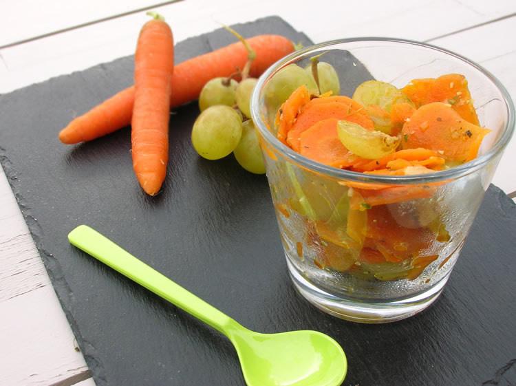 Glasses of carrot raisin