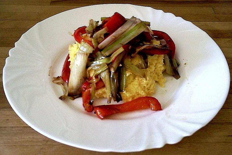Polenta and braised leeks with balsamic vinegar