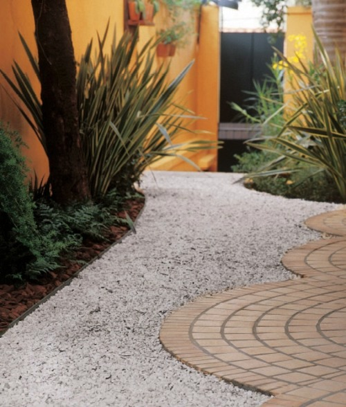 12 Great Projects For Garden Paths