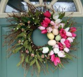 how-to-make-a-chic-easter-wreath-itself-1415194579.jpg