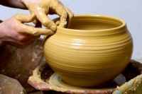 make-ceramic-decoration-itself-1416302346.jpg