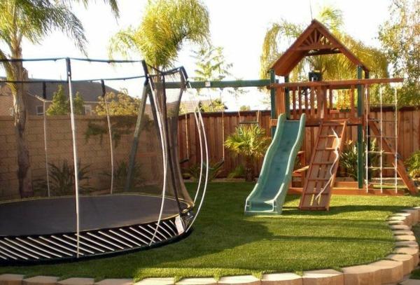 Summer Fun With Garden Trampoline What Says Stiftung